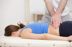 Atlanta Chiropractor Offers Mid-Back Pain Relief